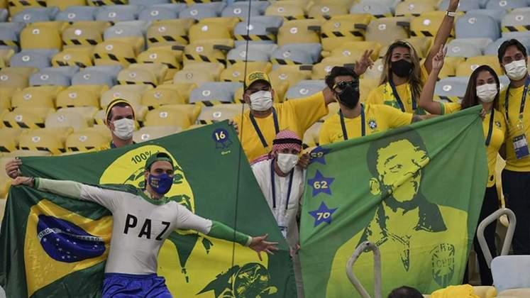 O Movimento Verde e Amarelo agitou a torcida do Brasil durante o jogo.