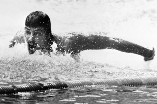 O nadador Mark Spitz conquistou sete medalhas de ouro nos Jogos de Munique, em 1972. O recorde do atleta dos EUA só seria quebrado pelo compatriota Michael Phelps, em 2008