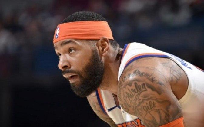 O New York Knicks e o Brooklyn Nets, junto com a NBA, fizeram uma doação de um milhão de máscaras cirúrgicas para serem distribuídas aos trabalhadores essenciais do estado de Nova York. O estado é o centro da pandemia do novo coronavírus nos Estados Unidos.
