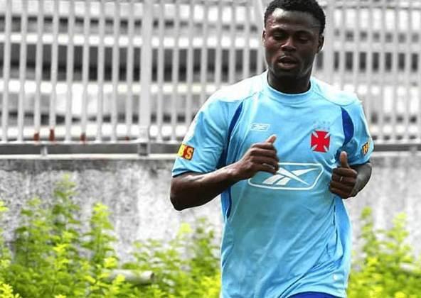 O nigeriano Abubakar foi contratado pelo Internacional, em 2006 e no ano seguinte se transferiu para o Vasco. Em 2009, teve a última experiência no país ao defender o Caxias-RS