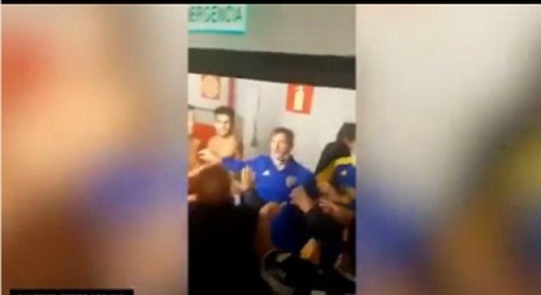 O nível da confusão armada pelos argentinos foi tão baixo, que um jogador da equipe argentina pegou um extintor de incêndio para brigar