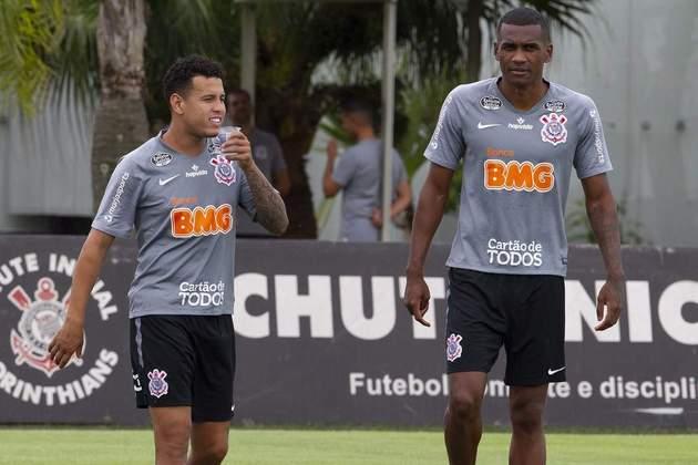 O nome do zagueiro Marllon já apareceu no BID e o defensor já pode ficar no banco para a próxima partida do Corinthians, contra o Ceará.