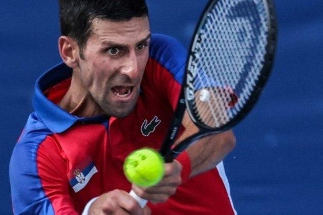 O número 1 do ranking mundial confirmou o favoritismo na estreia. O sérvio Novak Djokovic derrotou o boliviano Hugo Dellien por 2 sets a 0 (parciais de 6/2 e 6/2) em apenas uma hora.