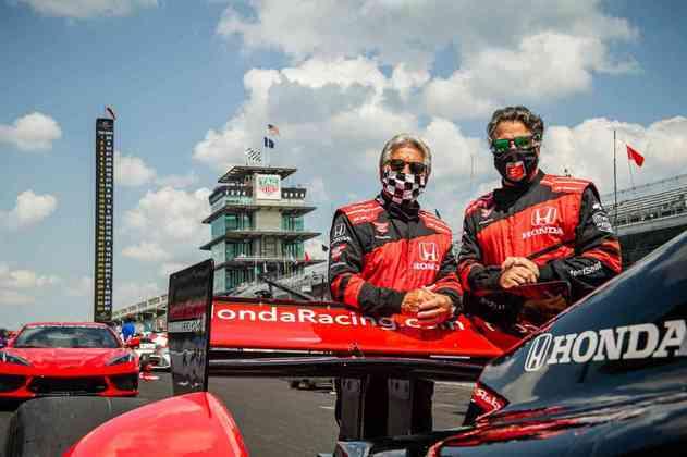 O pai Mario e o filho Michael Andretti antes da largada da Indy 500
