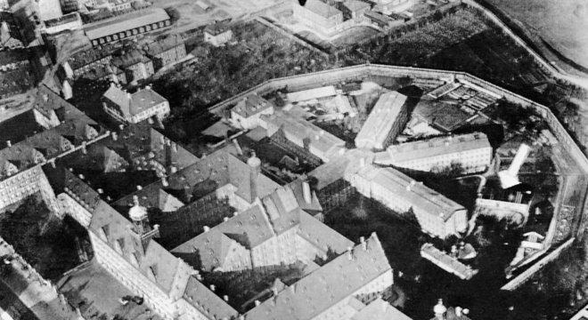 O Palácio da Justiça e a prisão de Nuremberg sobreviveram ao bombardeio dos Aliados