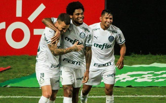 O Palmeiras derrotou o América-MG por 2 a 0 na noite desta quarta-feira, em Belo Horizonte, e se classificou para a grande final da Copa do Brasil. os atacantes Luiz Adriano e Rony, os autores dos gols, foram decisivos para a classificação do Verdão. Confira as notas do Palmeiras no LANCE! (por Nosso Palestra)