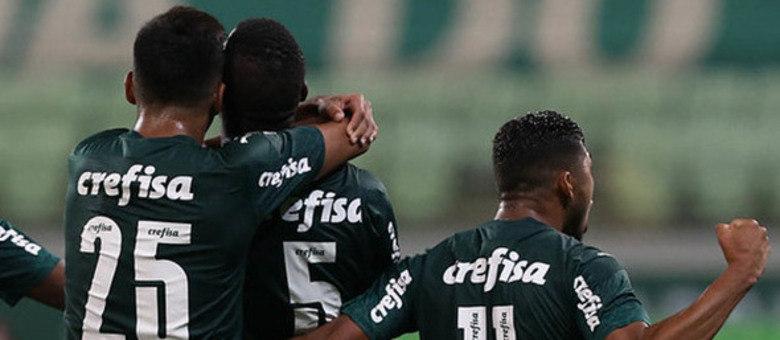 Disputando as finais da Libertadores e da Copa do Brasil, o Palmeiras é o terceiro elenco mais valorizado no mercado da bola: por volta de R$ 587 milhões
