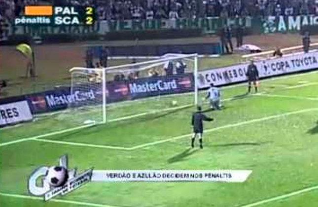 O Palmeiras eliminou o São Caetano nas oitavas de final da Libertadores de 2001.