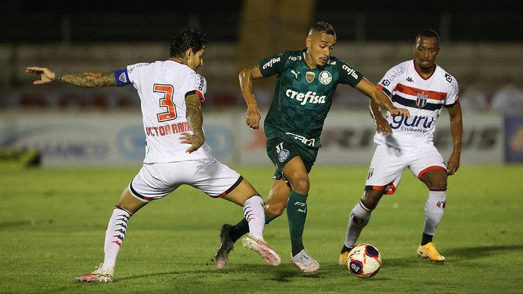 O Palmeiras ficou no 0 a 0 com o Botafogo-SP na noite deste domingo, fora de casa, pelo Campeonato Paulista. Em uma noite sem brilho, ninguém se destacou pelo Verdão. Confira as notas dos jogadores do Palmeiras no LANCE! (por Nosso Palestra)