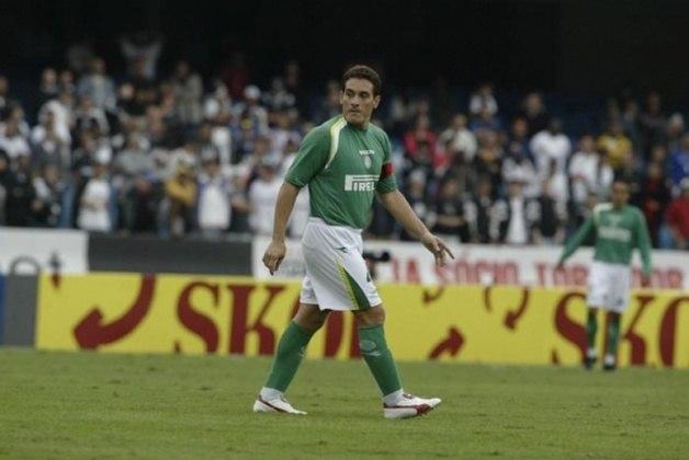 O Palmeiras tem uma grande escalação de bons jogadores que não foram campeões pela equipe: Zetti; Zé Maria, Lúcio, Gamarra (foto) e Michel Bastos; Edmílson, Juninho Paulista e Pedro Rocha; Mirandinha, Viola e Éder Aleixo.