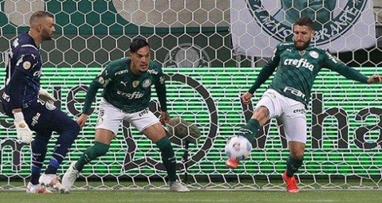O Palmeiras venceu o Fluminense por 1 a 0, na noite deste sábado, no Allinz Parque, para ampliar sua vantagem na liderança do Campeonato Brasileiro. O meia Zé Rafael foi mais uma vez o grande destaque do Verdão, ao impedir por duas vezes em sequência o gol do Flu, além de organizar o time. Confira as notas do Palmeiras no LANCE! (por Nosso Palestra)