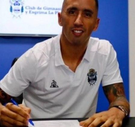O paraguaio Lucas Barrios está no Gimnasia, da Argentina.