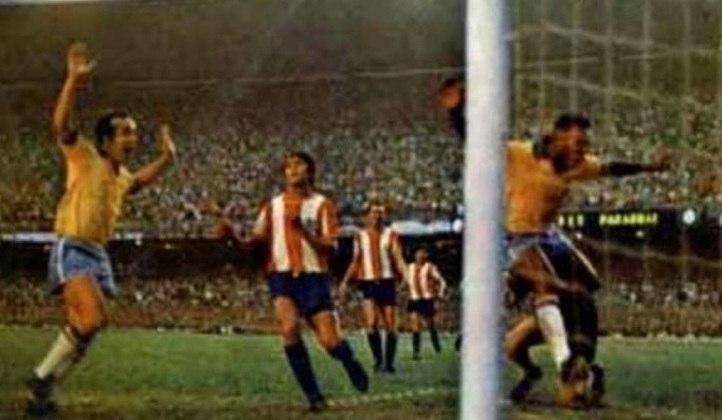 O passaporte da Seleção Brasileira para a Copa do Mundo de 1970 foi carimbado diante do maior público oficial do Maraca entre seleções nacionais: 183.341 pagantes assistiram à vitória por 1 a 0 sobre o Paraguai. O gol foi marcado por Pelé.