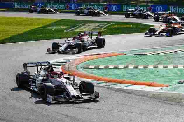 O pelotão andou próximo após a relargada do GP da Itália