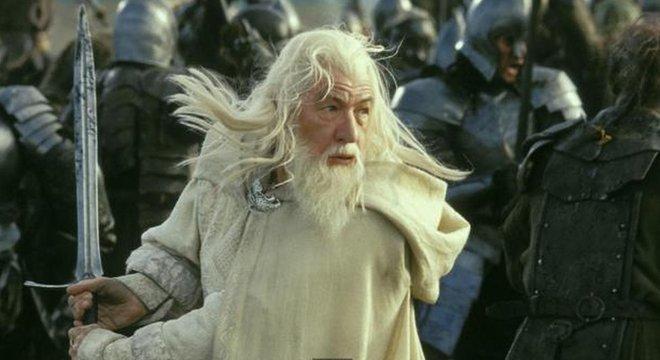 Em O Senhor dos Anéis as espadas também aparecem aos montes, como a Glamdring, de Gandalf