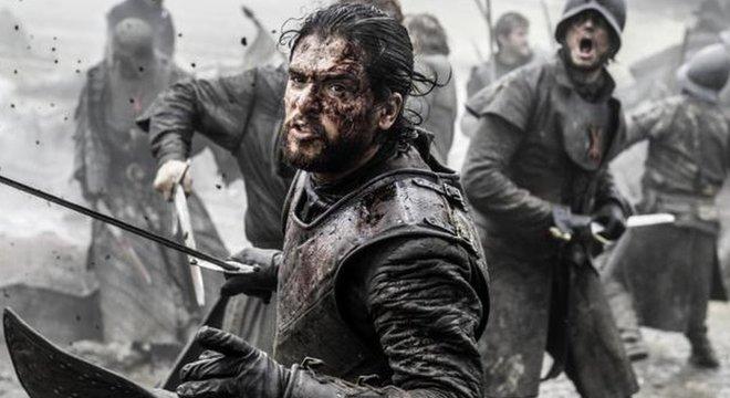 No livro que originou 'Game of Thrones', o autor George R.R. Martin criou várias tramas com espadas tendo protagonismo; a de Jon Snow é uma com destaque