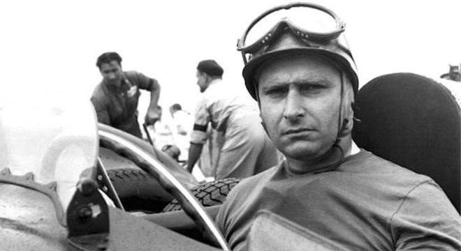 Juan Manuel Fangio teve dois filhos não reconhecidos em vida