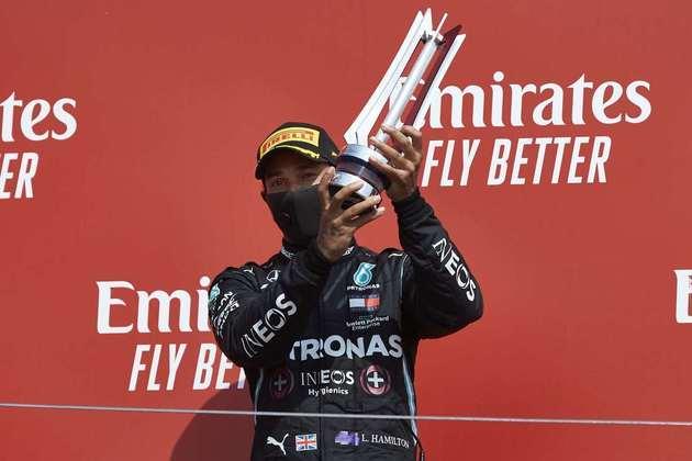 O piloto igualou a marca de Michael Schumacher com 155 pódios na F1