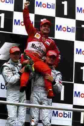 O piloto subiu outras nove vezes ao degrau mais alto do pódio com o time italiano