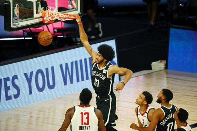 O pivô Jarrett Allen (Brooklyn Nets) anotou 22 pontos na vitória sobre o Washington Wizards, igualando sua melhor marca na temporada. Allen, que ainda pegou 15 rebotes, converteu os dez lances livres que tentou no embate. Em 2019-20, o atleta de 22 anos brigou pela titularidade com o experiente DeAndre Jordan