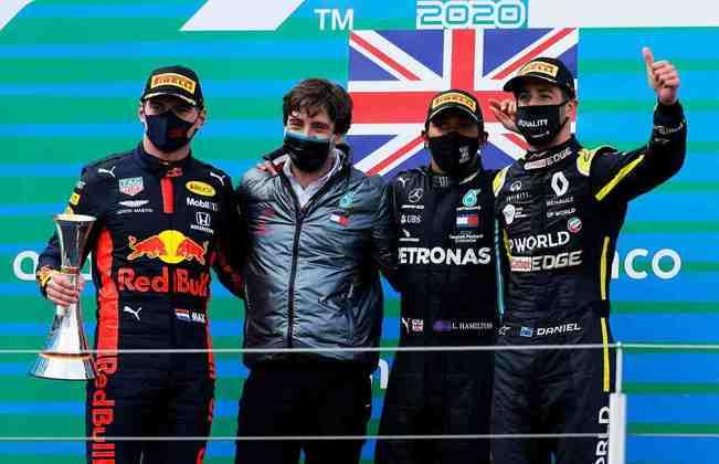 O pódio com Hamilton, Verstappen e Ricciardo. Combinação não acontecia desde 2017