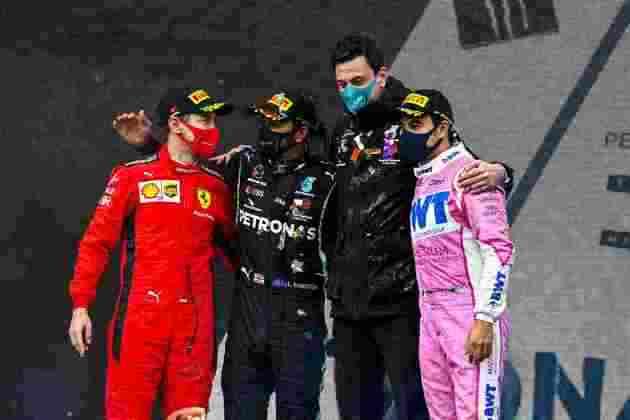 O pódio com Hamilton, Vettel e Pérez.