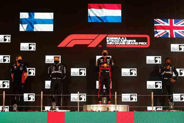 O pódio com Verstappen, Bottas e Hamilton.