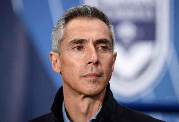 O português Paulo Sousa assumiu a seleção polonesa em janeiro de 2021, e fez apenas quatro partidas no cargo de treinador. Foram dois empates, uma derrota e uma vitória no período