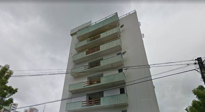 O prédio residencial está localizado na Rua Tibúrcio Cavalcante, nº 24, no Bairro Dionísio Torres, em Fortaleza