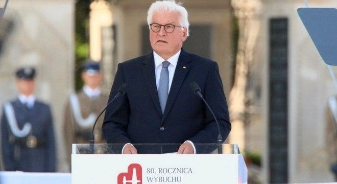 O presidente alemão Frank-Walter Steinmeier discursa durante a cerimônia
