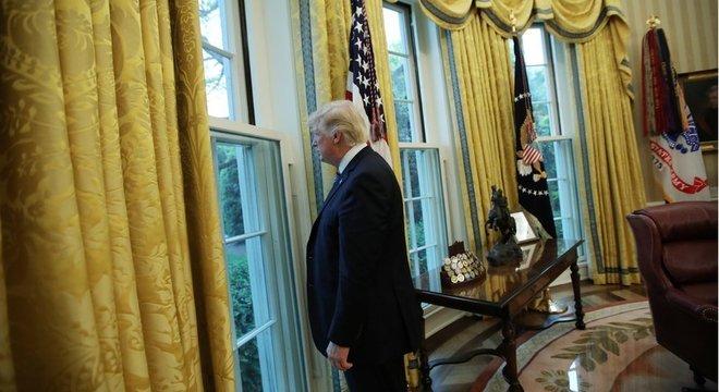 Livro descreve uma equipe receosa diante da intempestividade de Trump