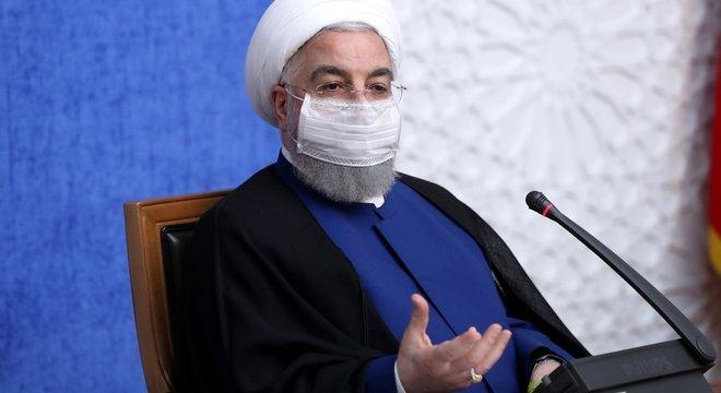 O presidente Hassan Rouhani disse que o Irã aproveitaria 'qualquer oportunidade' para 'diminuir a pressão das sanções'
