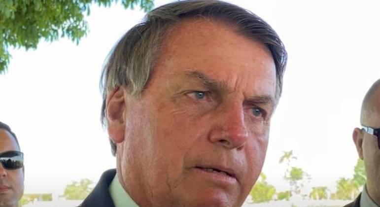 O presidente Jair Bolsonaro em encontro com apoiadores