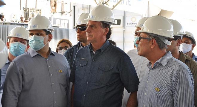 O presidente Jair Bolsonaro em visita a subestação de energia no Amapá