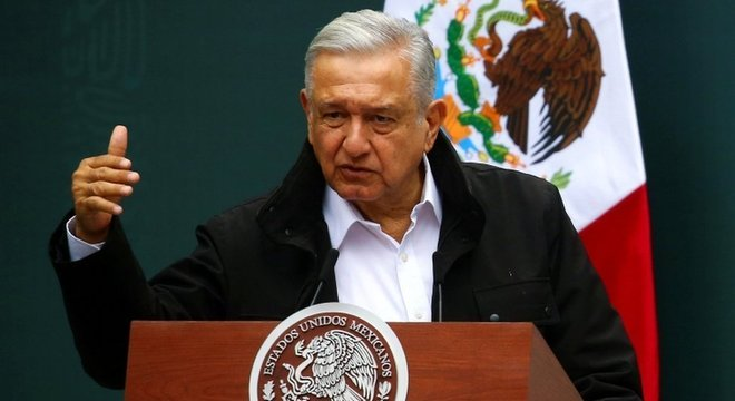 O presidente do México prioriza a contenção do déficit e muitos economistas que acreditam que este não é o momento para isso.
