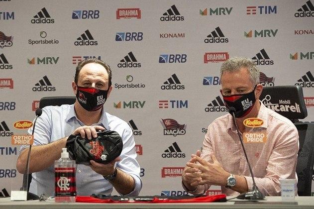O presidente Rodolfo Landim recebeu o novo treinador