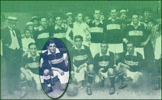 O primeiro Dérbi da história foi no Parque Antarctica, e com vitória mandante, pelo Paulista. Em 6 de maio de 1917, o time alviverde derrubou uma invencibilidade de 25 jogos do Corinthians e fez 3 a 0, com três gols de Caetano (destaque na foto).