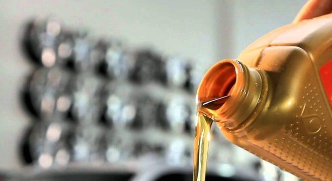 O primeiro item a ser verificado é o estado do óleo do motor / Divulgação