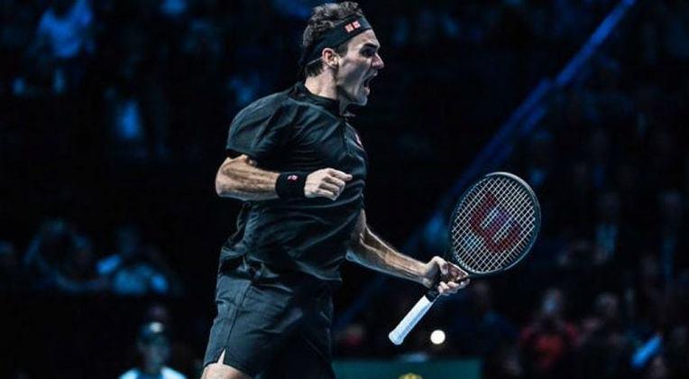 O primeiro lugar da lista ficou com o tenista suíço Roger Federer, atual número 4 da ATP, que faturou aproximadamente R$ 578,9 mi entre premiações, patrocínios e bônus. É a primeira vez que um tenista ocupa o primeiro lugar desde o início da lista em 1990.