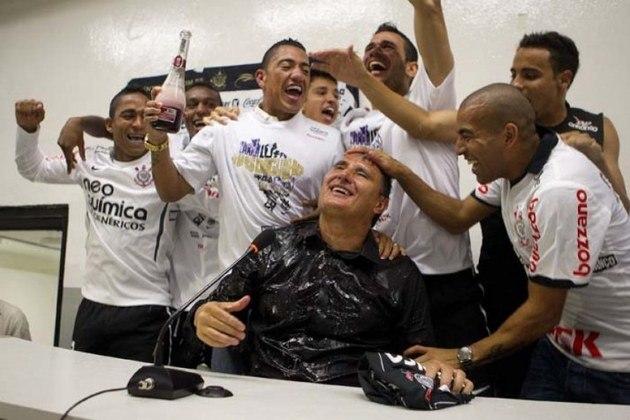 O primeiro título do Corinthians após o centenário foi o Brasileirão de 2011. Naquela temporada, a equipe comandada por Tite venceu o torneio com 71 pontos, dois a mais que o Vasco, segundo colocado.