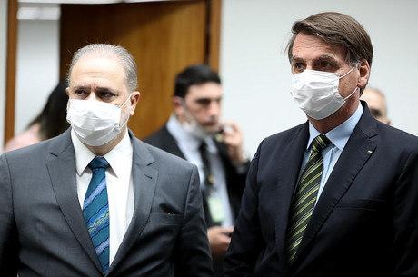 Aras, ao lado de Bolsonaro, em evento nesta semana