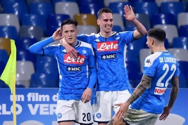 O produtor cinematográfico Aurelio de Laurentis comprou o espólio e rebatizou a instituição para Napoli Soccer, que iniciou sua caminhada na Série C1. Posteriormente, o nome Societá Sportivo Napoli também foi recuperado.