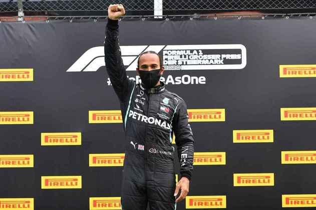 O protesto de Lewis Hamilton contra o racismo após o GP da Estíria