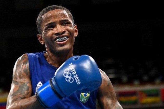O pugilista Wanderson Oliveira luta contra o cubano Andy Cruz, às 6h18, pelas quartas de final da categoria leve.