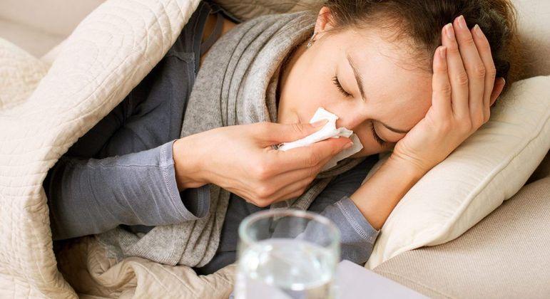 O que causa dor de garganta - principais origens e tratamentos