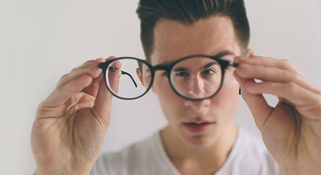 O que é astigmatismo - causas, sintomas e principais tratamentos