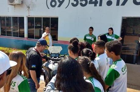 Semana Nacional de Trânsito no DETRAN de Guajará-Mirim-RO com alunos do INFO