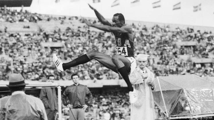 O recorde olímpico que dura há mais tempo no atletismo é do salto em distância. A façanha pertence ao norte-americano Bob Beamon, que saltou 8,90 metros em 68, na Cidade do México.