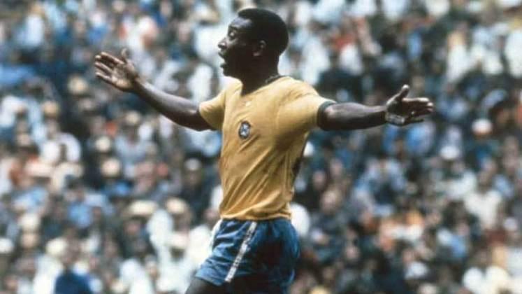 O Rei do futebol também aparece na lista entre os maiores artilheiros de seleções da história do esporte. Com 92 partidas disputadas pelo Brasil, Pelé marcou um total de 77 gols