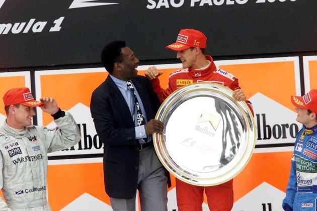 O Rei teve vários encontros com Michael Schumacher. Um deles foi no pódio do GP do Brasil de 2000, vencido pelo alemão